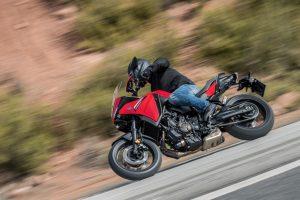 2021-Yamaha-MT07TR-EU-Redline-Action-005-03